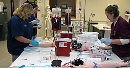 Phlebotomy classes with practical training