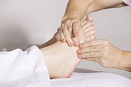 how much do podiatrists make?